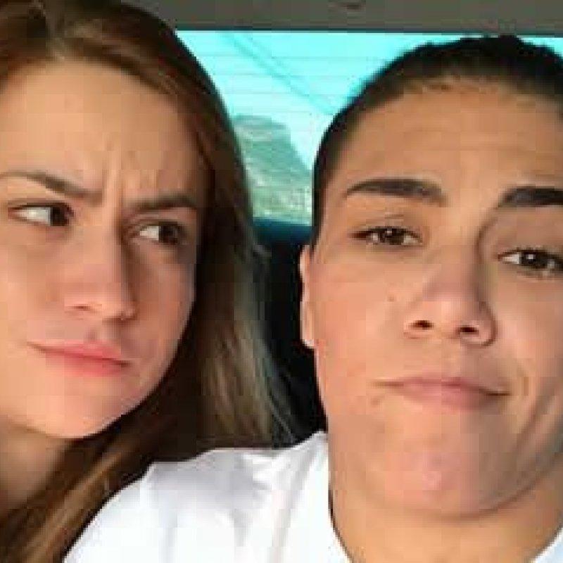 Jéssica pede namorada em casamento após derrota no UFC 211