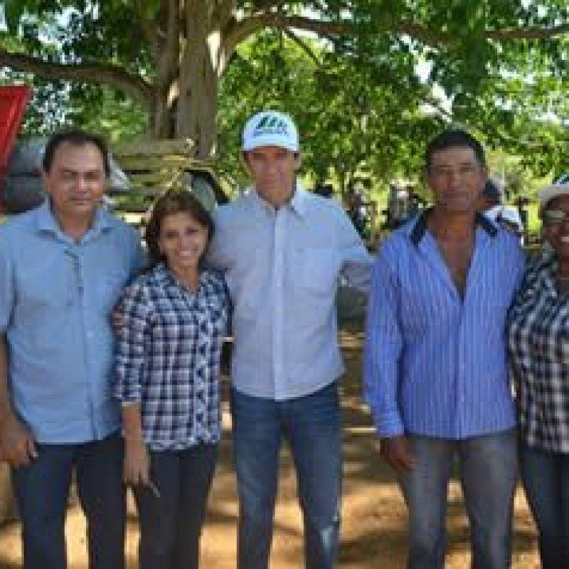 Dep Marcelino participa de Dia de Campo sobre bovinocultura leiteira