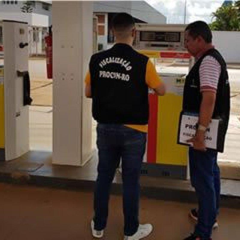 Postos de combustíveis são fiscalizados em Rondônia