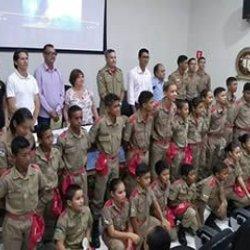 Prefeito Charles Gomes prestigia formatura de 26 bombeiros mirins
