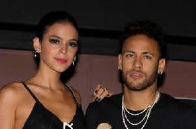 Neymar e Marquezine dão indícios de fim de namoro, diz Leo Dias