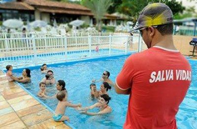 Bombeiros cobram presença de guarda-vidas em piscinas de clubes na região de Ouro Preto