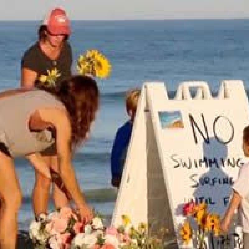 Brasileiro é homenageado na praia em que foi vítima de ataque de tubarão nos EUA