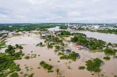 Imagens da nova enchente em Ji-Paraná após muita chuva neste fim de semana