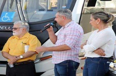 Vagno Panisoly faz entrega de equipamentos para o hospital e veículos para a saúde