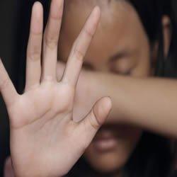 Menina de 12 anos é estuprada por 22 homens durante sete meses