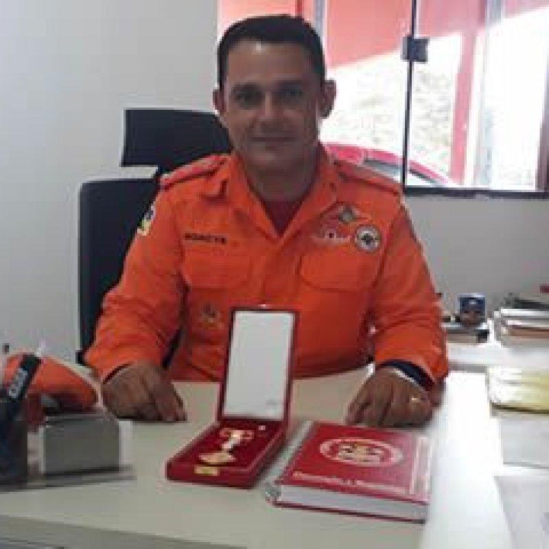Comandante do Corpo de Bombeiros de Ouro Preto é homenageado com medalha