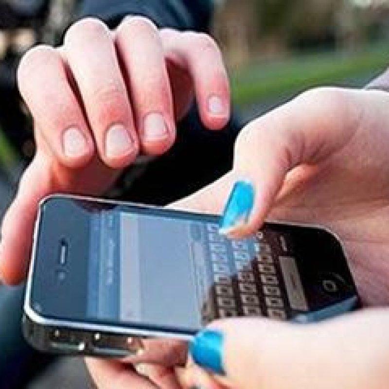 Ouro Preto: vítima tem celular roubado em frente a sua residência por ladrão em moto