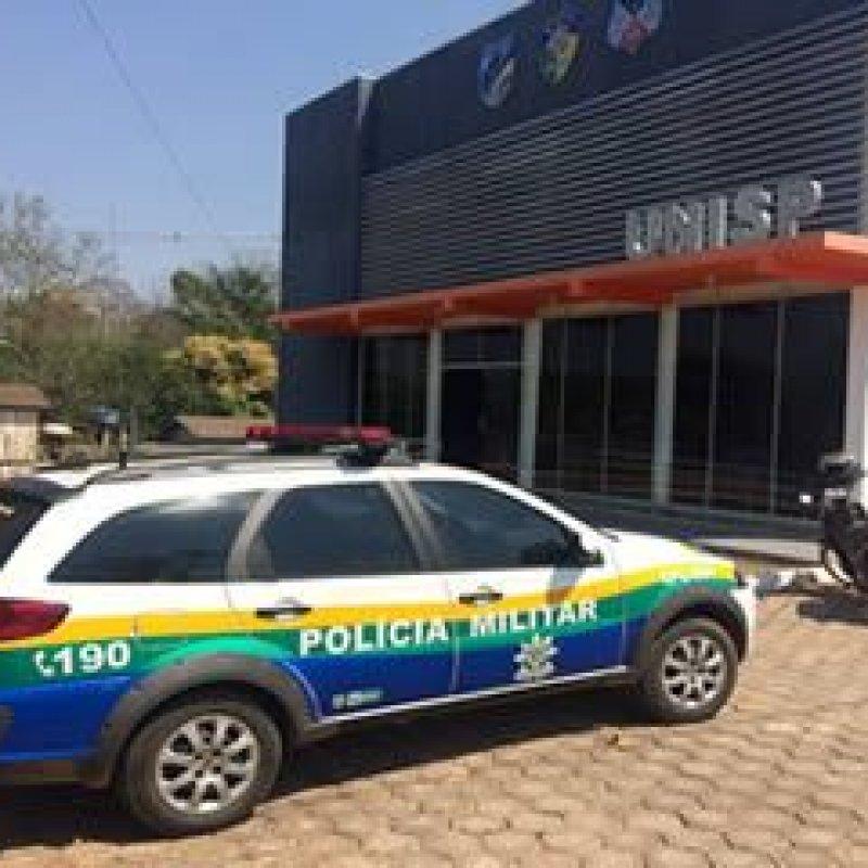 Ouro Preto: ladrão estoura porta de vidro e furta 400 reais do caixa de loja de lingerie