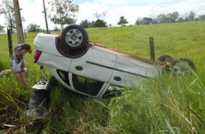 Péssimas condições de trafegabilidade da RO 470 causa sério acidente, radialista e esposa
