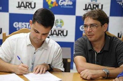 Jaru: Prefeitura, Jaru-Previ e Câmara assinam contrato com banca organizadora para concurso