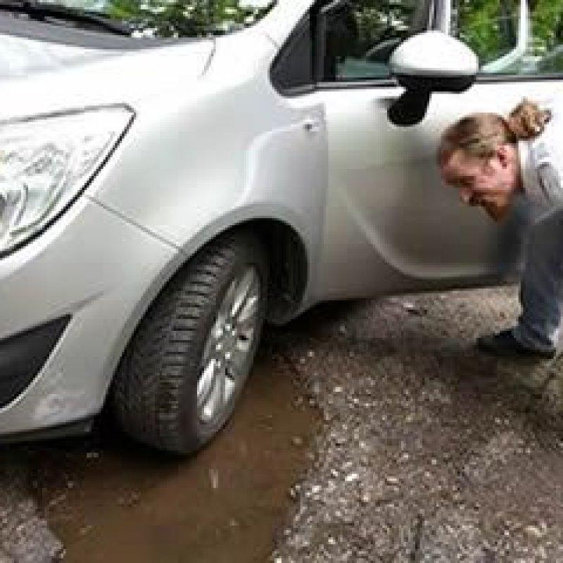 Teve prejuízo em seu veículo por buracos na estrada? Saiba seus direitos