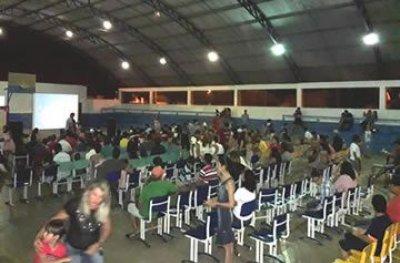 """Ouro Preto: projeto """"Cinema nos Bairros"""" passa a contemplar as escolas"""