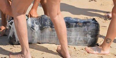 Pacotes com maconha aparecem em praias da Flórida após passagem do furacão Florence