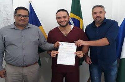Prefeitura encaminha médico para curso promovido pelo Hospital do Câncer de Barretos