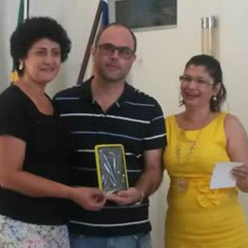 Governo entrega de tablets educacionais em Ouro Preto