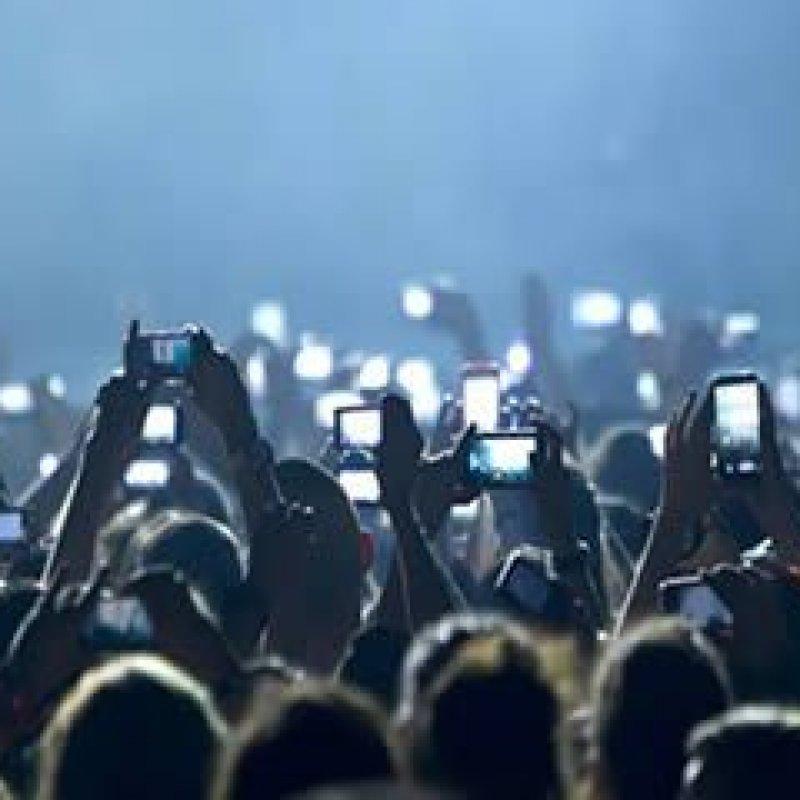 Brasileiro gosta de celular baratinho e prefere a Samsung