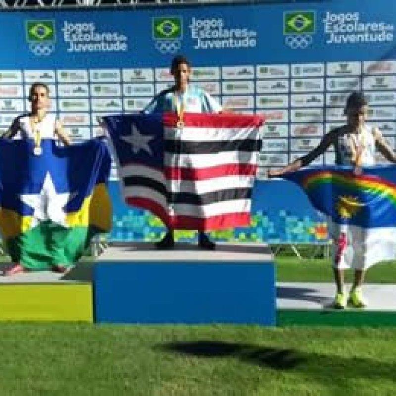 Atleta de Machadinho fatura medalhas de prata e de bronze no atletismo dos Jogos Escolares da Juventude