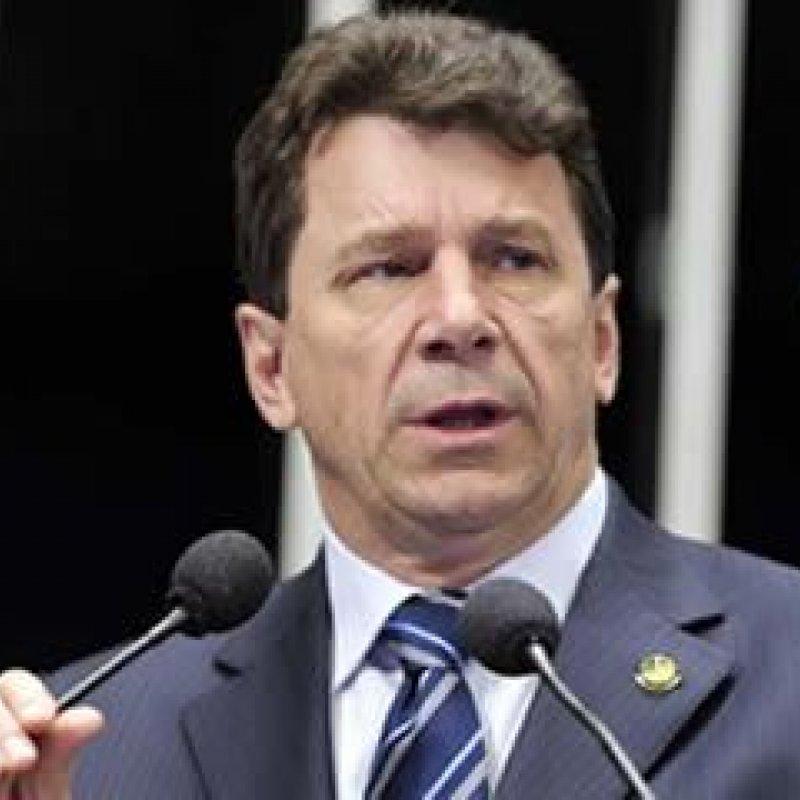 """Cassol chama de irresponsável delegado federal da operação """"Carne Fraca"""""""
