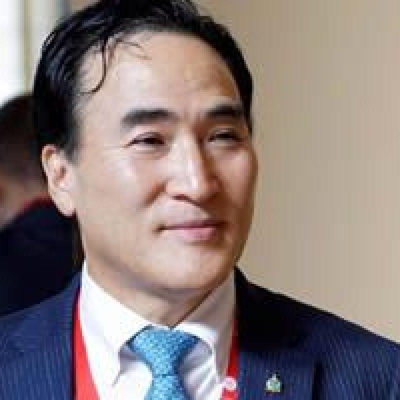 Sul-coreano Kim Jong-yang é eleito presidente da Interpol