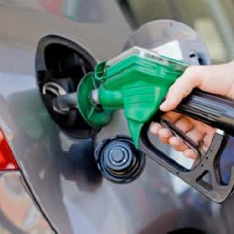 Gasolina sobe 19,5% em seis meses e já beira os R$ 5 em algumas cidades
