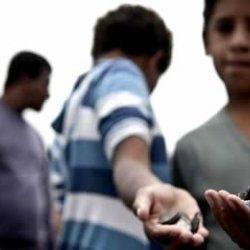 Preso suspeito acusado de recrutar crianças para mendigar nas ruas