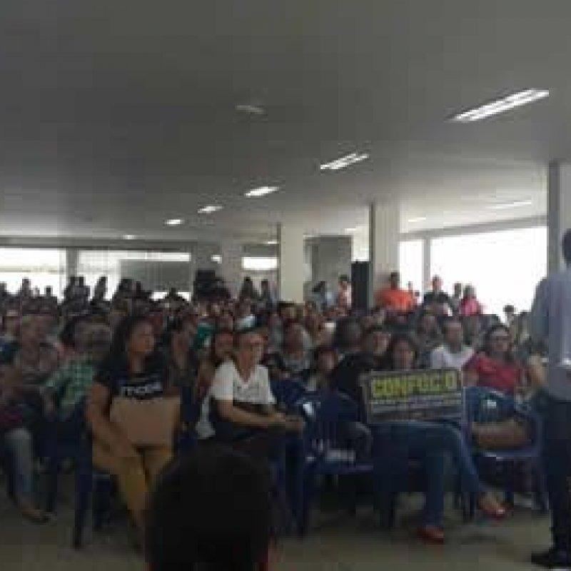 Professores de RO completam um mês de greve, mesmo com multa diária de R$ 100 mil