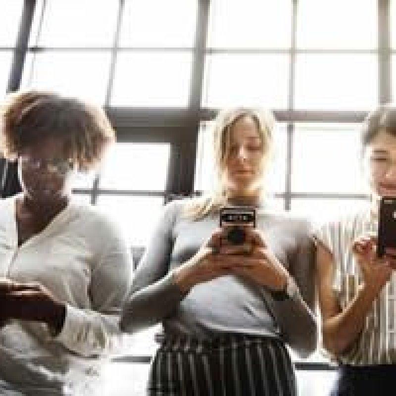 Instagram é o novo currículo! Veja como usar a rede a favor da sua carreira