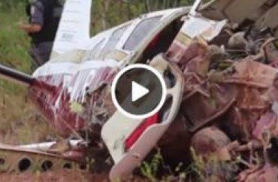 Vídeo mostra avião caindo em Manaus
