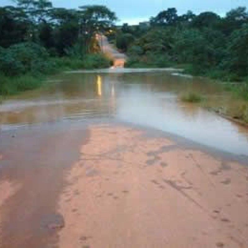 Rio Mororó em Jaru sofre sua primeira enchente da temporada chuvosa