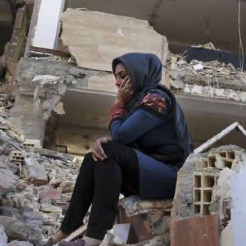 Mais de 370 pessoas ficam feridos em 2 fortes terremotos no Irã