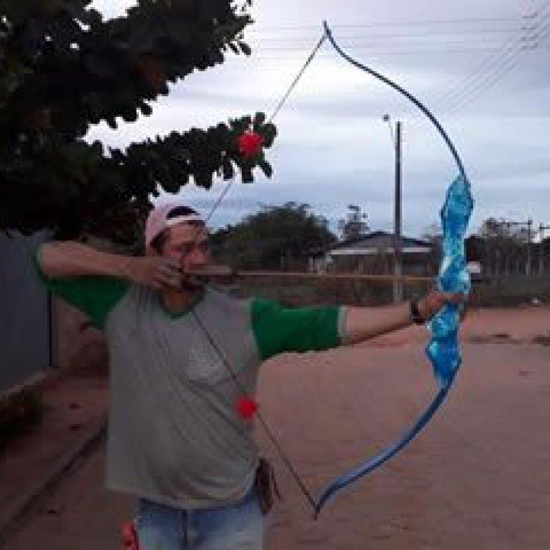 Morador de Ouro Preto do Oeste se destaca na fabricação de arco recurvo