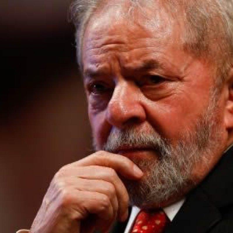 Lula é condenado por unanimidade a 12 anos de prisão por corrupção