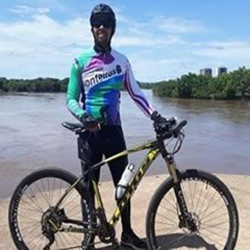 Jhony Paixão inicia viagem de bicicleta de Ji-Paraná a Porto Velho