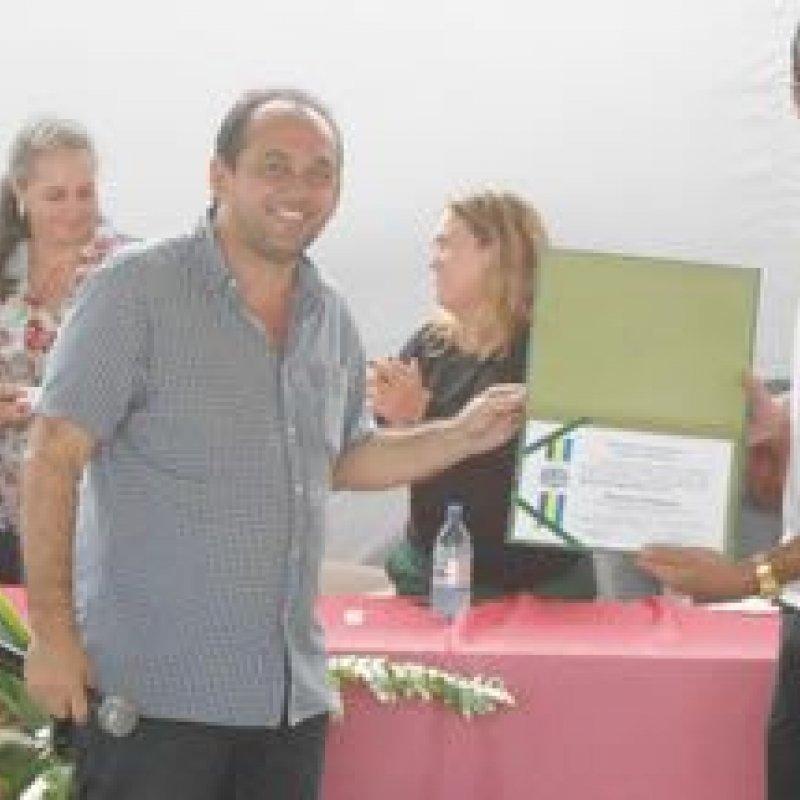 Deputado Laerte participa da entrega de netbooks a alunos da educação tecnológica