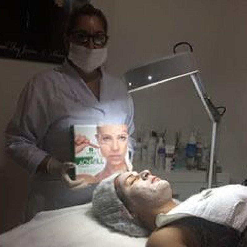 Clinica Corpo e Saúde realiza tratamentos estéticos em vencedora de sorteio