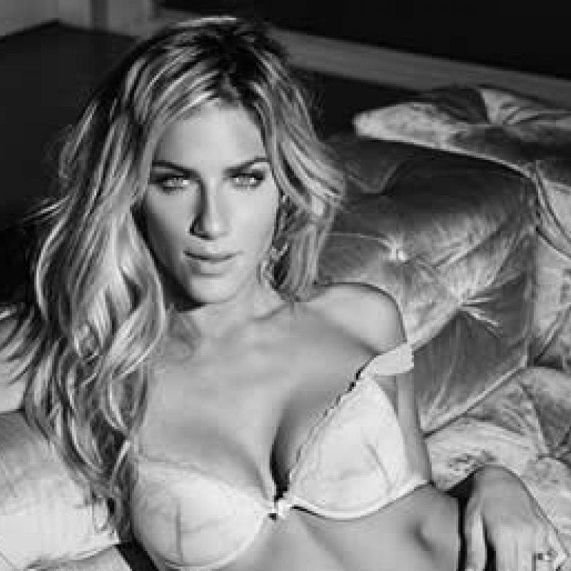 Giovanna Ewbank posta foto sexy só de lingerie