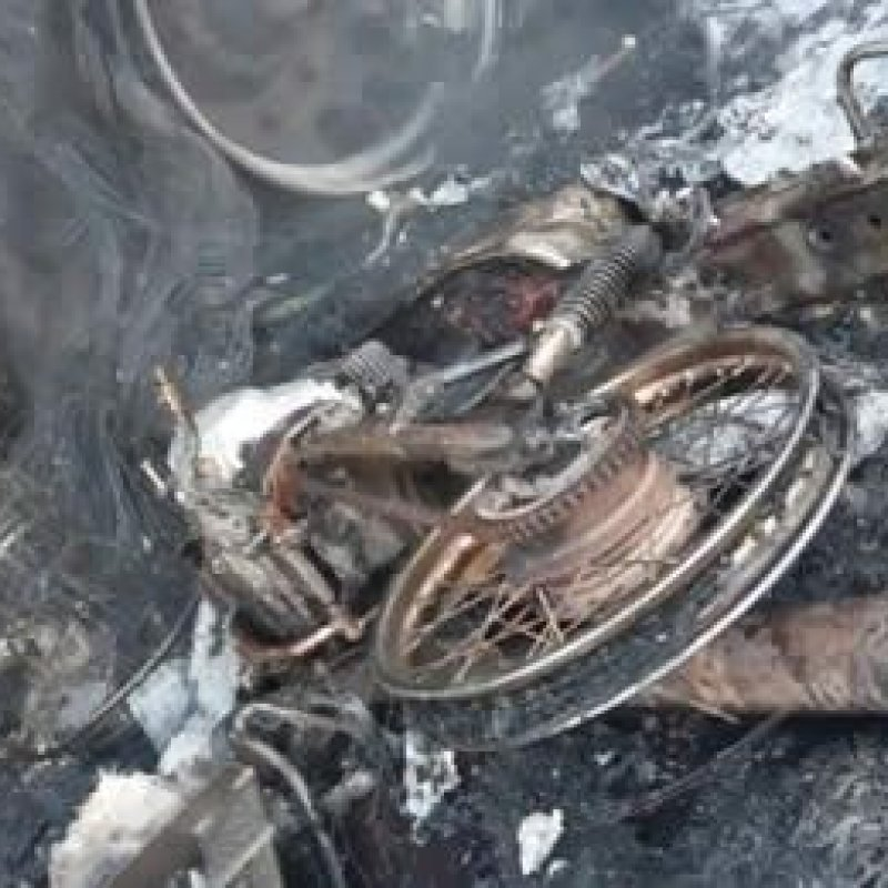 Carreta pega fogo após grave acidente com motocicleta conduzida por PM na BR-364