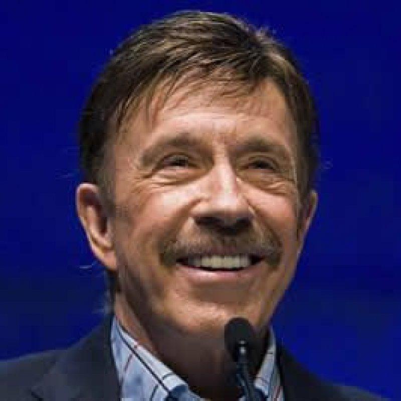 Chuck Norris sofreu dois infartos no mesmo dia