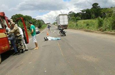 Adolescente de 14 anos morre em acidente na BR 364 ao cair da garupa de moto