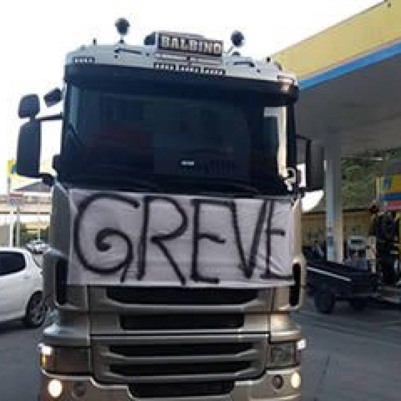 Porque a maioria da imprensa está contra a greve dos caminhoneiros
