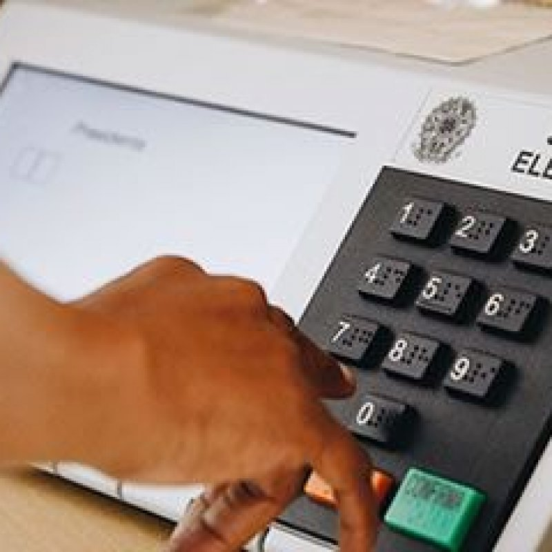 Brasileiros no exterior começam a votar no segundo turno