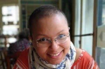 Mulher com câncer é agredida ao ser confundida com um homem gay