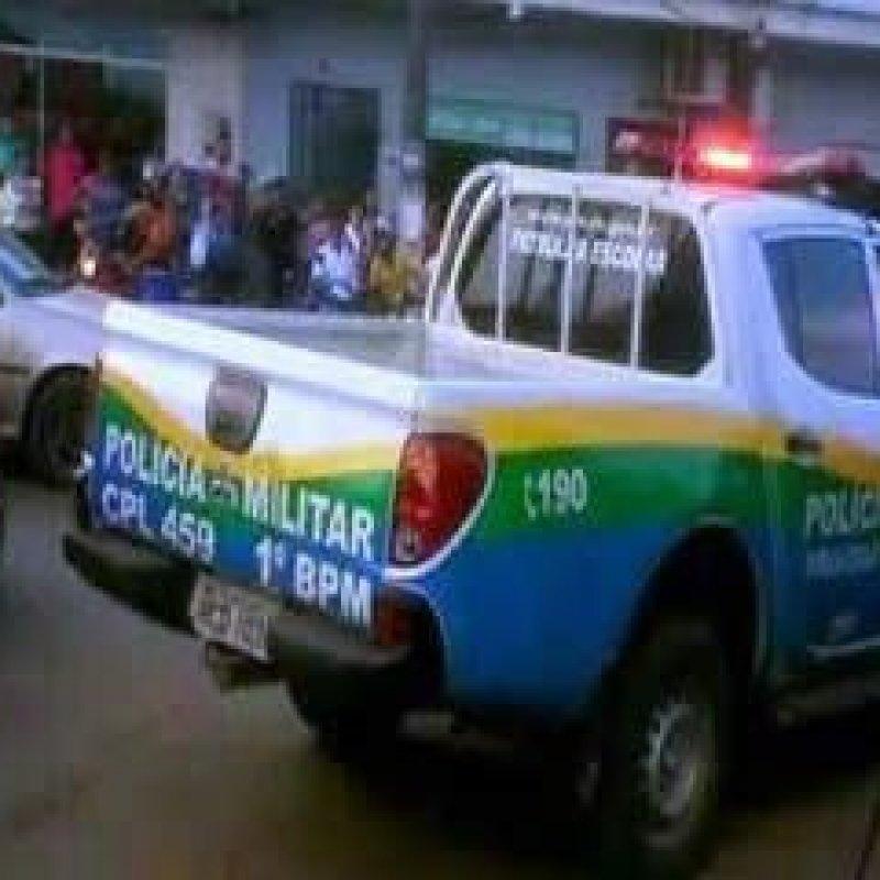 Mulher invade Comando Geral toma arma de PM e tenta atirar contra