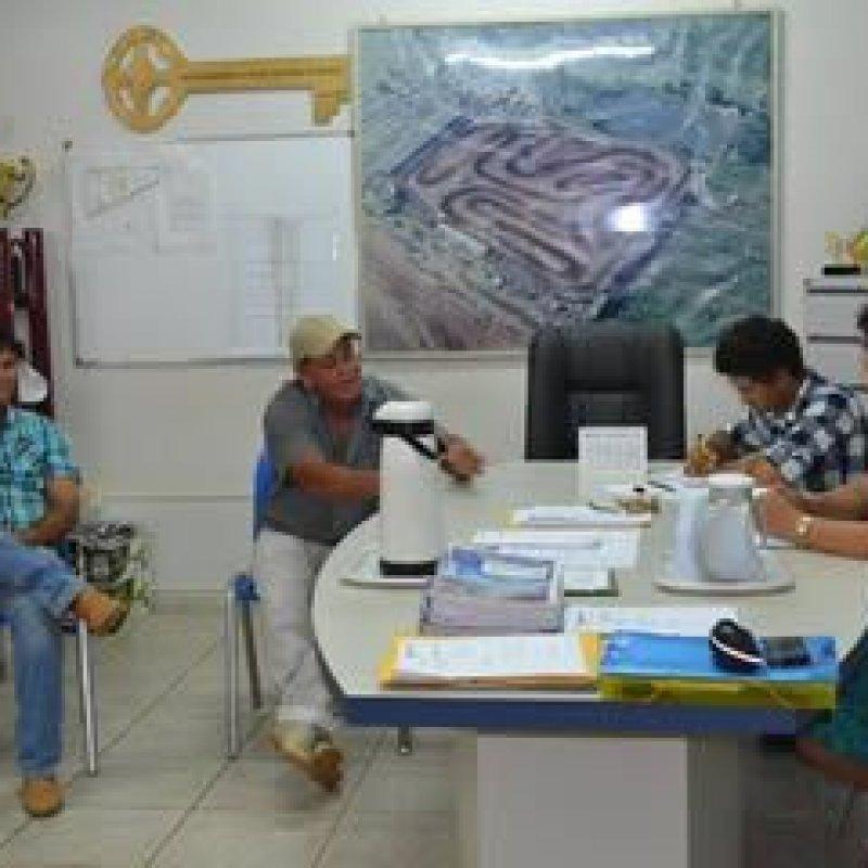 Edis Farias acompanha moradores do Distrito de Rondominas