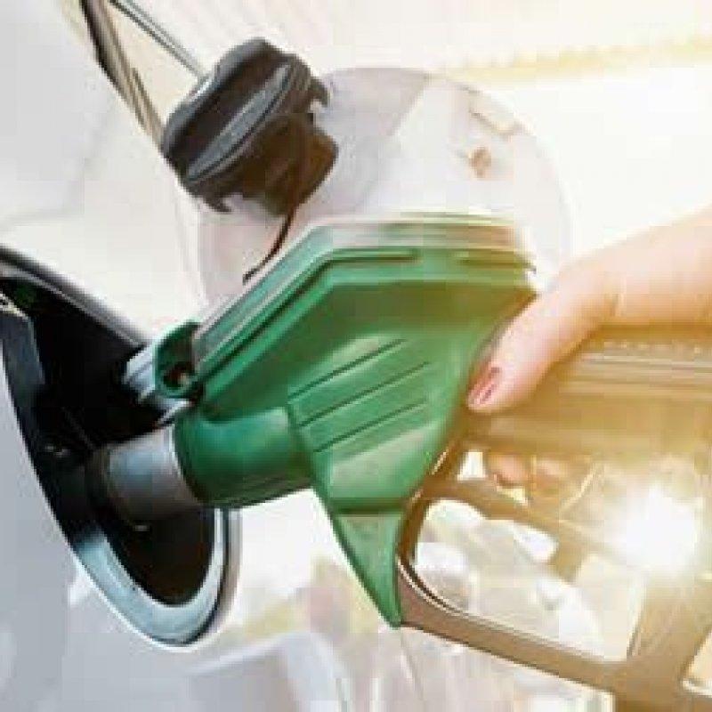 Se Brasil é autossuficiente em petróleo, por que importa tanto combustível?