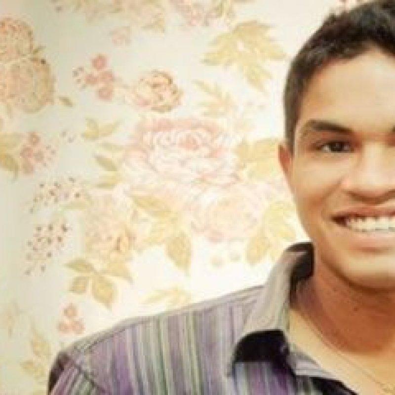 Filho de Policial Civil morre após colidir motocicleta em poste nesta madrugada
