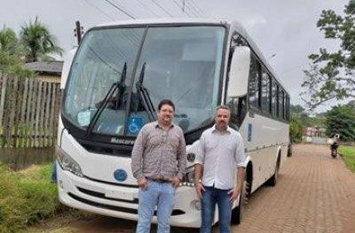 Ouro Preto: SEMECE recebe ônibus que vai favorecer o transporte de estudantes universitários