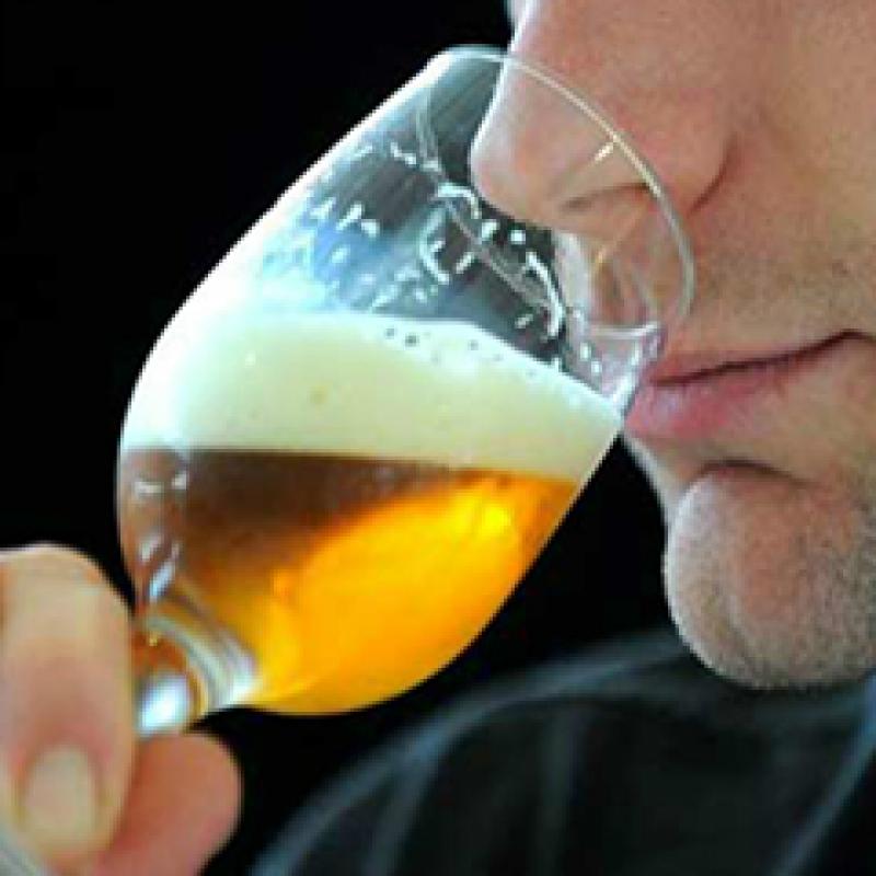 Degustador de cerveja que se tornou alcoólatra receberá R$ 50 mil por danos morais