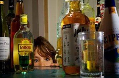 MP consegue condenação de acusado de fornecer bebida alcoólica para crianças e adolescentes
